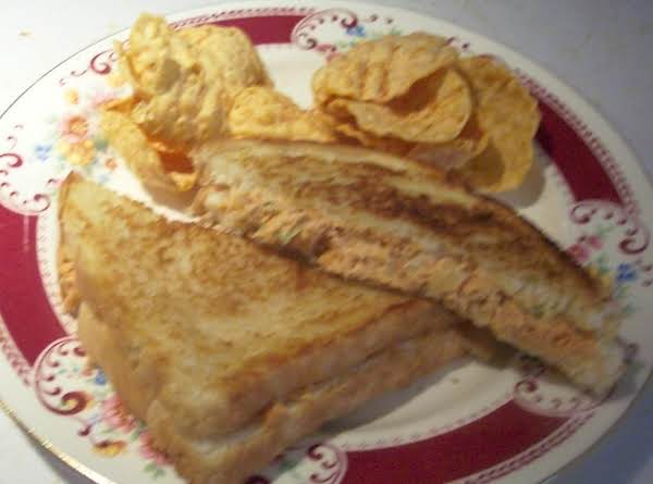 Grilled Salmon Salad Sandwich, A Neptune Delight ! Recipe