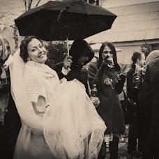 Wedding photographer Larisa Lebedeva (Larisa). Photo of 02.04.2013