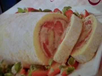Strawberry -  Mallow Cake Roll Recipe