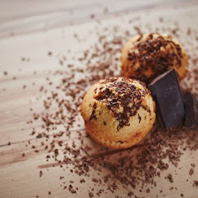 Chocolate Muffins by Lubomir Gobs - Food & Drink Candy & Dessert ( canon, muffins, chocolate, wood, relax, food, foodgraphy, 50mm, yummy, ambient, 6d )