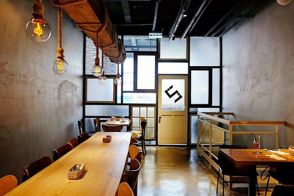 文青食堂裡的黯然與銷魂《TAHOJA》混血老宅咖啡餐酒館