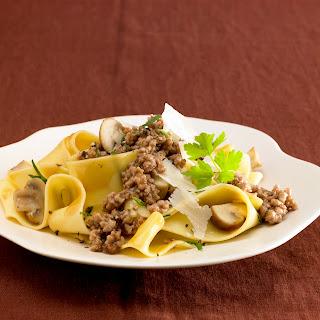 Pappardelle mit Pilz-Kräuter-Bolognese