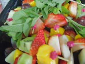 Photo: Brochette de fruits frais