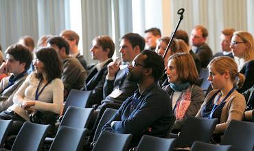 Photo: Sonderfenster 3 - 57. Jahrestagung der Deutschen Gesellschaft für Publizistik- und Kommunikationswissenschaft vom 16. bis 18. Mai 2012 in Berlin - Mediapolis: Kommunikation zwischen Boulevard und Parlament