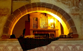 Photo: Pohled na varhany z chrámové lodi.