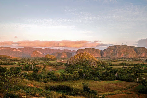 Cuba-Country-Side-Landscape_01.jpg - Travel to see the green and lush province of Pinar del Río in Cuba.