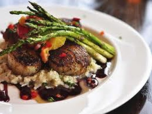 Champagne Scallops And Asparagus Recipe