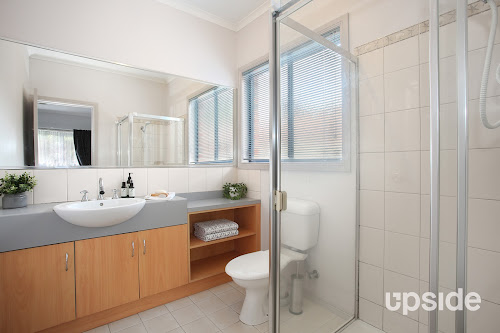 Photo of property at 7 Wildflower Crescent, Narre Warren South 3805