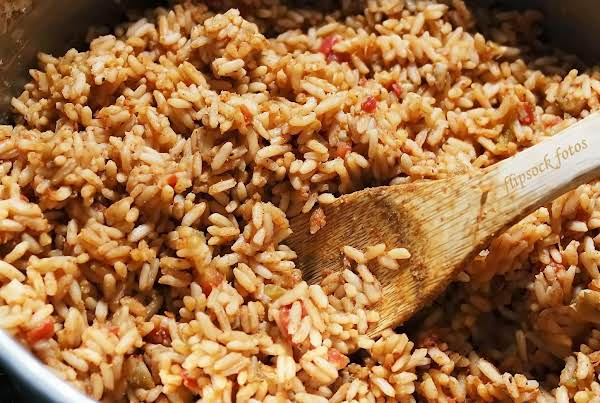 Crowd Size Spanish Rice Recipe