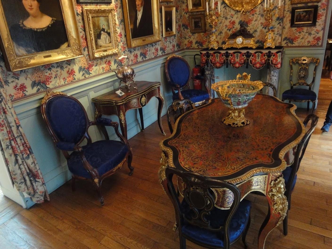 Salon de la famille avec décor Napoléon III au Musée Magnin à Dijon