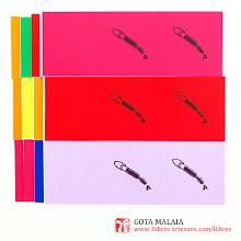 Photo: Gota Malaia, recull de microcontes i aforismes originals de Ferran Cerdans Serra, novetat de Sant Jordi 2016. Fets a mà per l'autor en el format de disseny propi dels llibres retallables, impresos per duplicat i microperforats per arrencar i compartir. Llibres Artesans, fem els llibres del futur des de 2002.