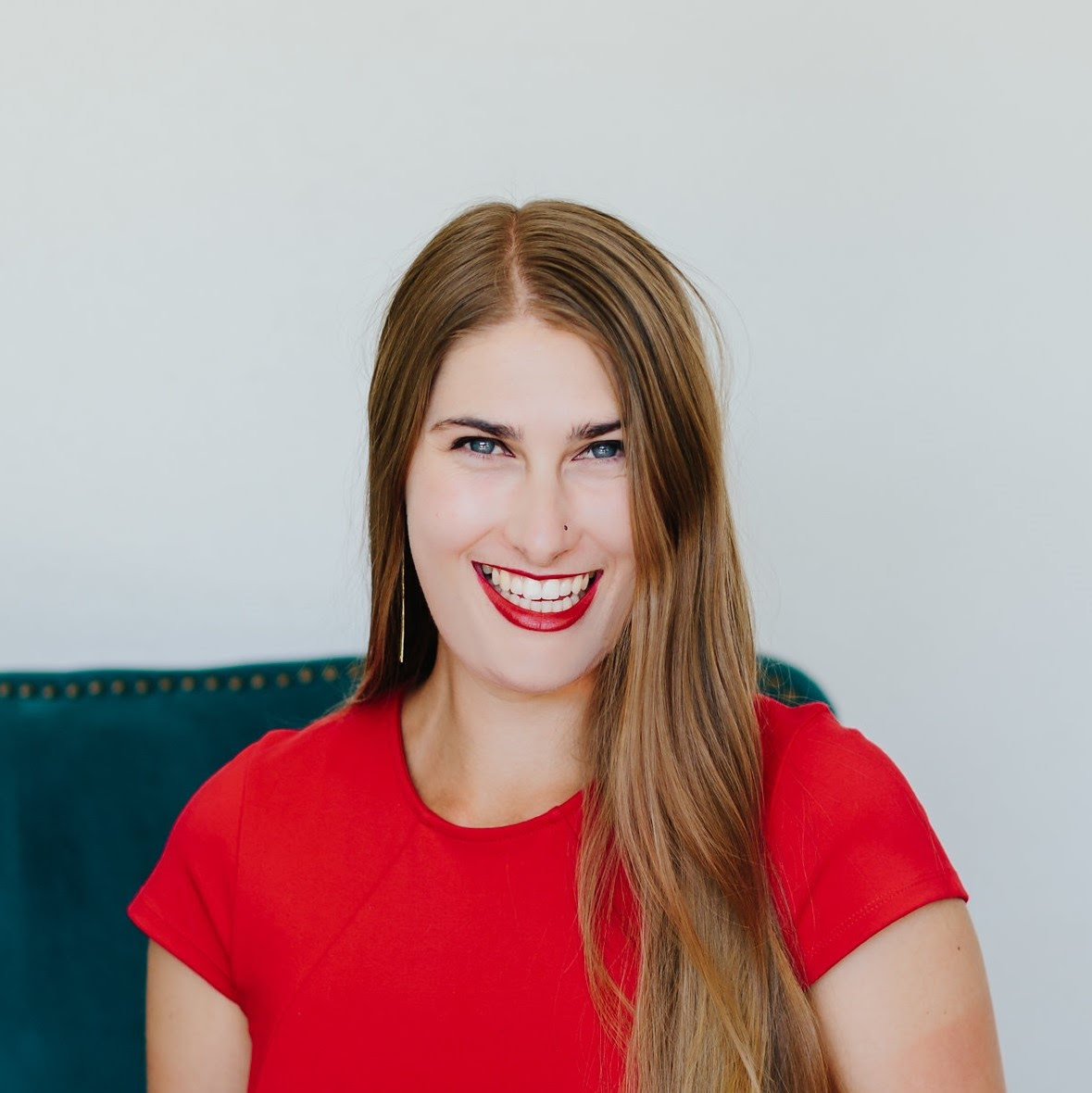 Morgaine Trine, owner of Honestly Bookkeeping headshot