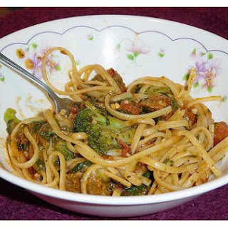 Linguine With Spinach Sauce.