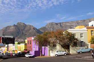 Photo: We started our walking tour in the colourful Bo Kaap learning a bit about the area's history & people.