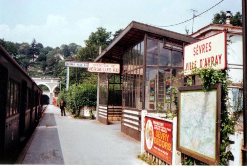 Photo: ヴィル・ダヴレイの駅 (1977年) 『シベールの日曜日』 http://goo.gl/QY1gi