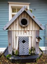 Photo: Paikallista pienimuotoisempaa arkkitehtuuria