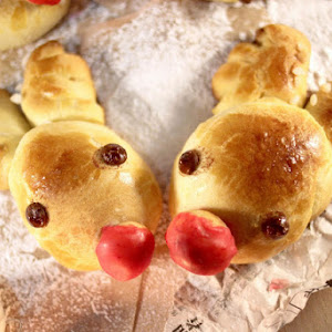 Rudolph, the Red-Nosed Reindeer, Brioche