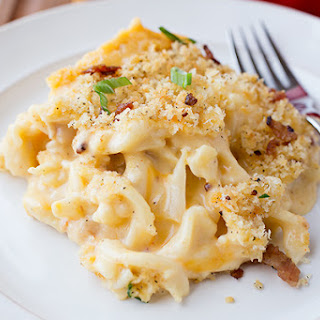 Creamy Mac n' Cheese with Cauliflower & Apple-Smoked Bacon