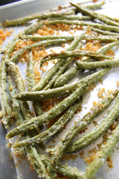 Roasted Parmesan Green Beans with Garlic recipe - 5 ingredients and ready in under 30 minutes