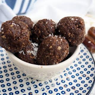 Cocoa Coconut Balls Recipes.