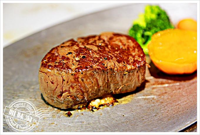 新國際西餐廳美國菲力牛排2