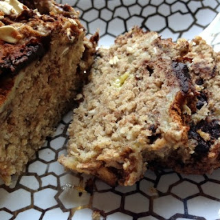 The Healthiest, Most Delicious Banana Bread Ever