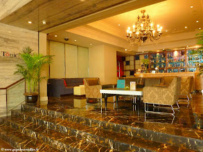 Photo: #003-Le bar de l'Hilton Beijing