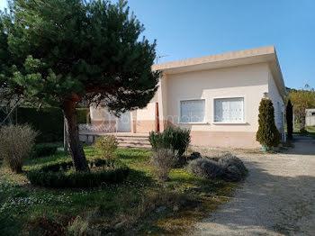 villa à Piolenc (84)