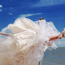 Wedding photographer Viktoriya Dovbush (VICHKA). Photo of 29.09.2014