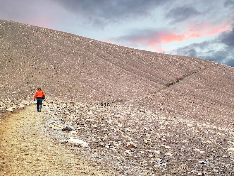 Verso il vulcano di Dariagufo