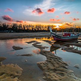 Sunset at Pantai Kemasik by Vicneswaran Kuppusamy - Landscapes Sunsets & Sunrises ( reflection, sunset, boat, landscape, rays,  )