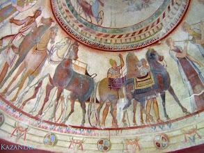Photo: Kazanlak, plafondschildering in de grafkamer