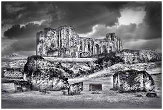 Photo: Maillezais Abbey (Clive Haynes)