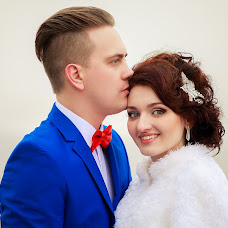 Wedding photographer Olya Zharkikh (olanasedkina). Photo of 13.04.2016