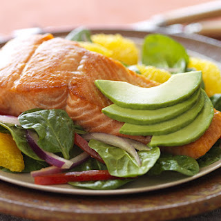 Spinach Salad with Pan-Seared Salmon, Oranges, Red Onion, and Avocado