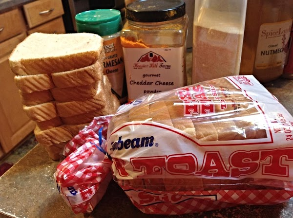 I used Sunbeam Texas Toast but almost any bread will do.