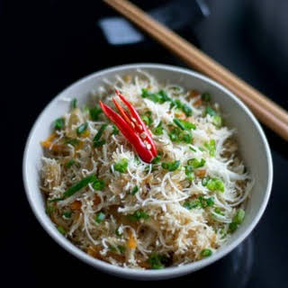 Stir Fried Rice Vermicelli Noodles with Garlic, Ginger and Scallions.