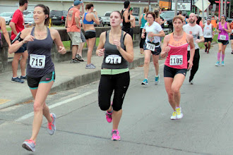 Photo: 715  Lindsay Potvin, 214  Chelsea Crouch, 786  Gingy Sampson, 1105  Lisa Unger