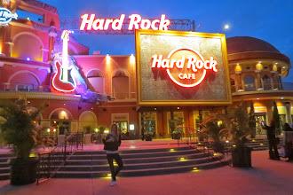 Photo: Maailman suurin Hard Rock Cafe