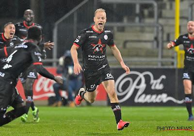 """Olivier Deschacht aux anges après son but victorieux : """"J'ai continuéàcourir sur le terrain"""""""