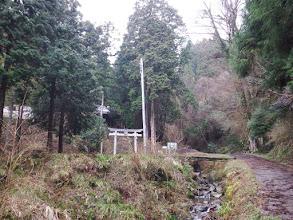 歩いてすぐに水分神社