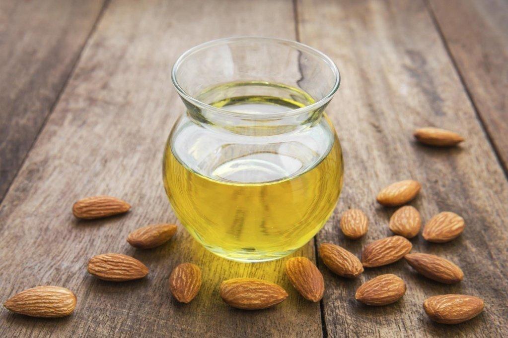 Миндальное масло: свойства, применения в косметологии, кулинарии и медицине
