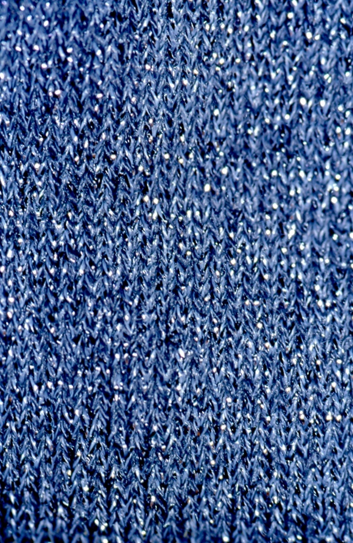 Infiniti filamenti di lana di viola94