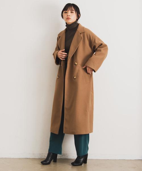 キャメルチェスターコートのレディースコーデ集 トレンドの着こなしを