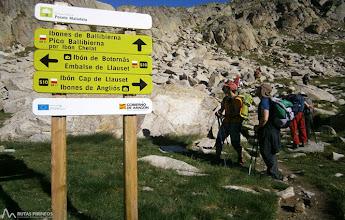 Photo: Dirección O tomamos el camino que nos lleva al Vallibierna pasando muy cerca del Ibón Chelat.