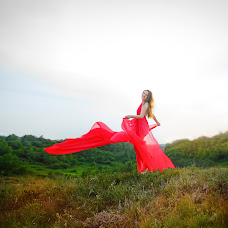 Wedding photographer Olga Bogatyreva (Olyoli). Photo of 24.06.2017
