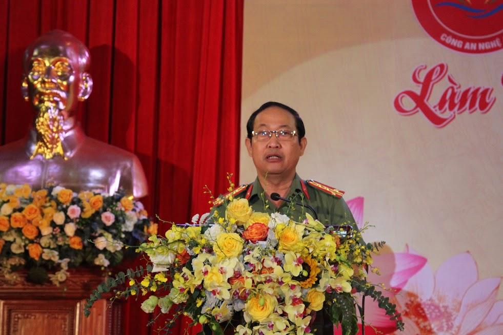 Đồng chí Đại tá Nguyễn Tiến Dần, Phó Giám đốc Công an tỉnh, Trưởng ban tổ chức phát biểu
