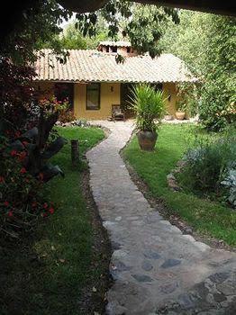 Las Chullpas Eco-Lodge