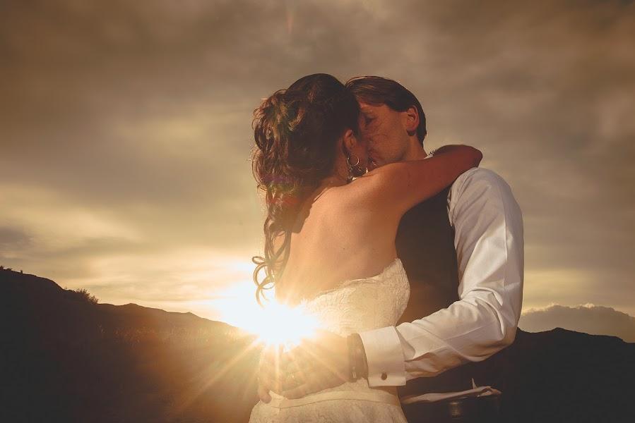 Wedding photographer Valery Garnica (focusmilebodas2). Photo of 27.11.2017