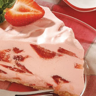 Strawberry Fluff Pie Recipe
